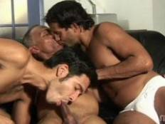 Gay Ebony XXX. Manuel